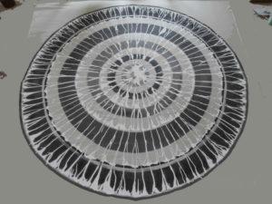Dôme inversé noir et blanc